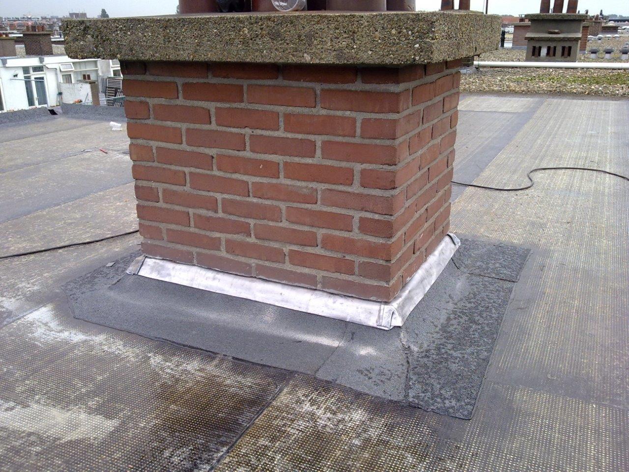 Dakbedekking smit loodgieter - Centraal geschorste schoorsteen ...